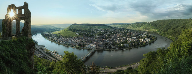 Mosel horshoe pano with Grevenburg Ruins