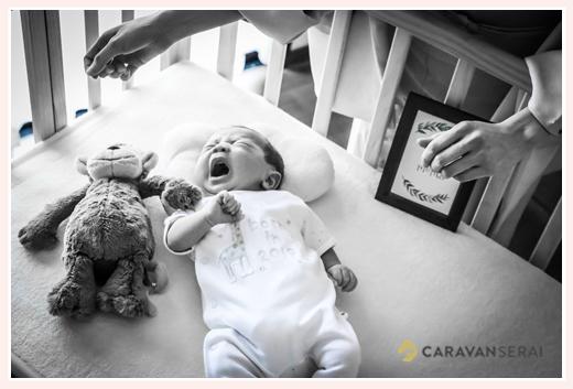 新生児赤ちゃんの泣き顔