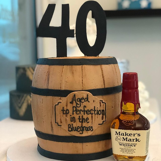 Barrel Cake by Daisy Cakes