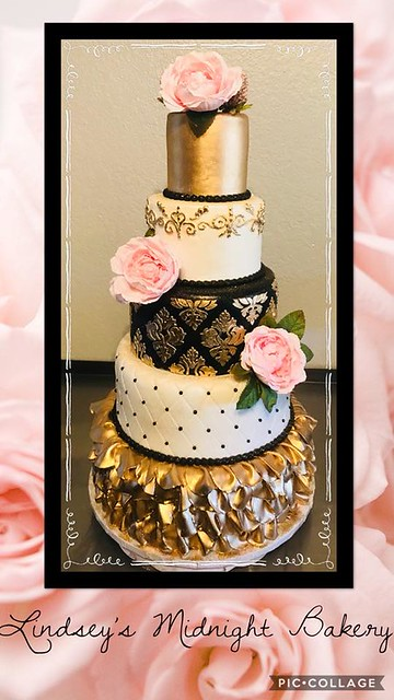 Cake by Lindsey's Midnight Bakery