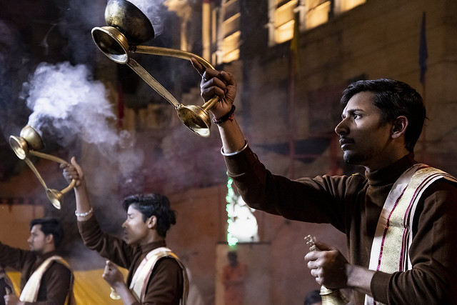 Puja, Ghats; Varanasi