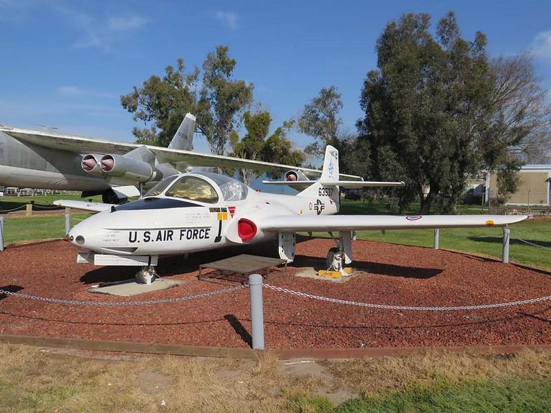 Cessna T-37B Tweet 1
