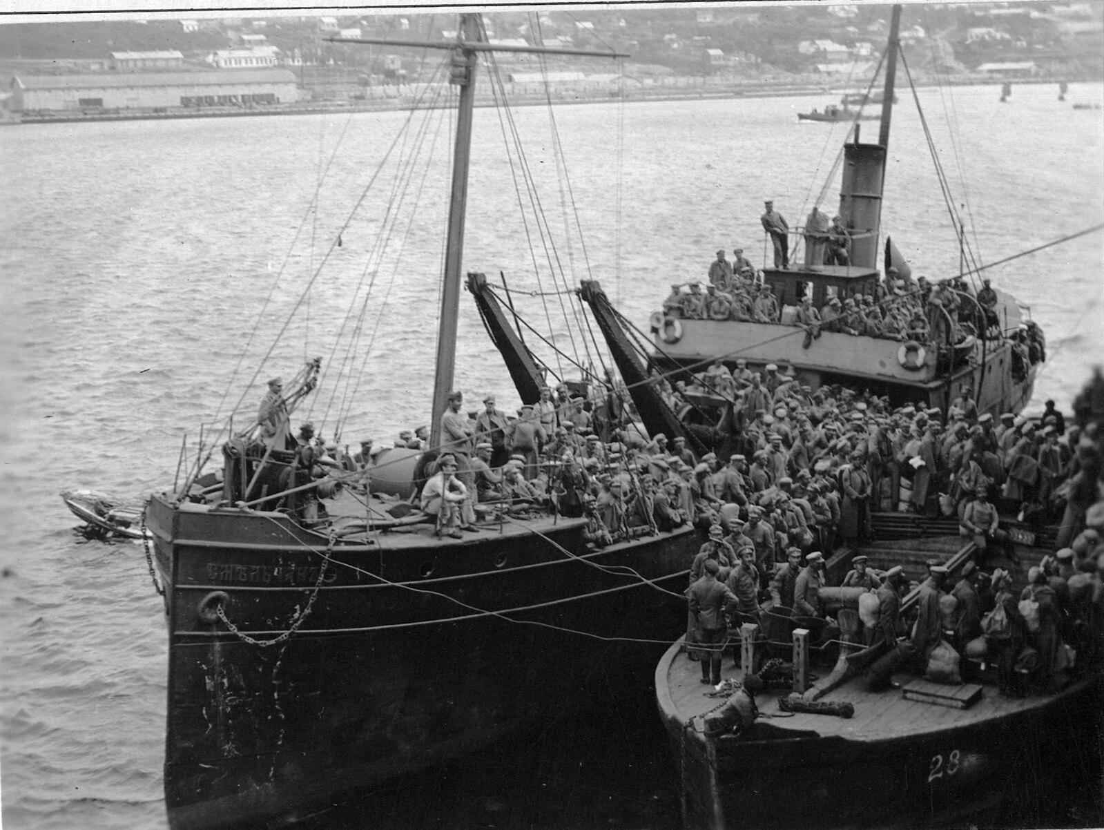1918. Чехословацкие легионеры на минном транспорте «Смельчак»