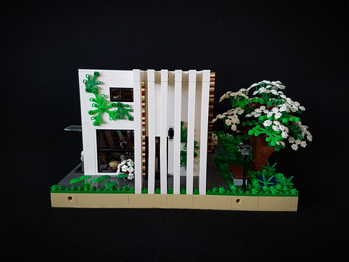 Cherry Loft House MOC. Pillars and cherry blossom.