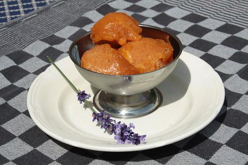 Abrikozen-lavendelsorbet...
