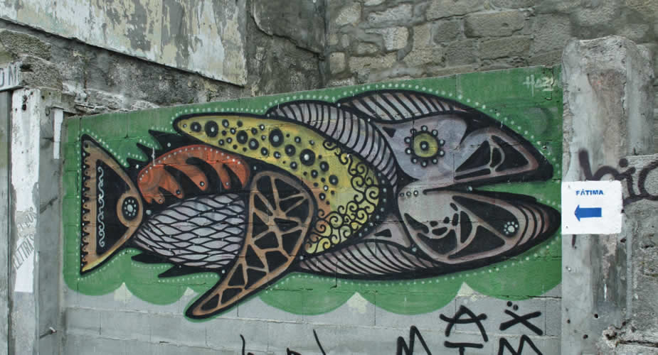 Street art in Porto, Hazul Luzah | Mooistestedentrips.nl
