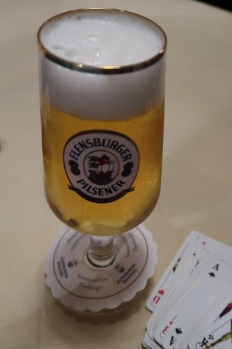 Kleines Flensburger Pilsener zum Doppelkopf (im Café Central in Flensburg)
