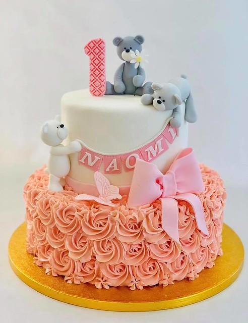 Cake by Edita Ziuraityte
