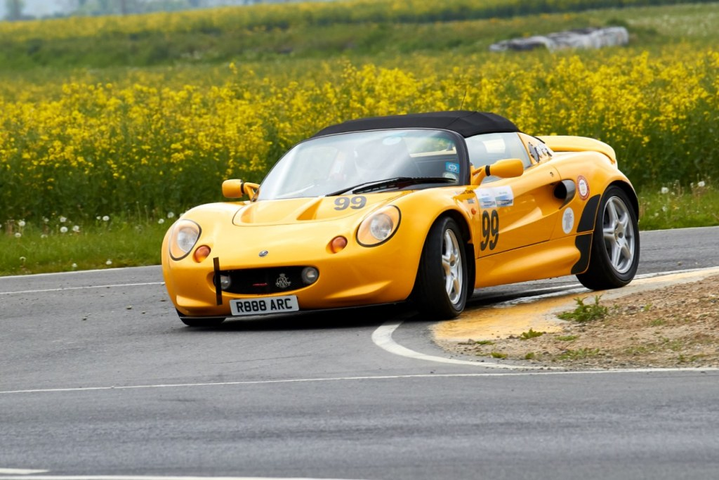 The Lotus Elise of Alistair Clark at Blyton Park (A Mitchell)