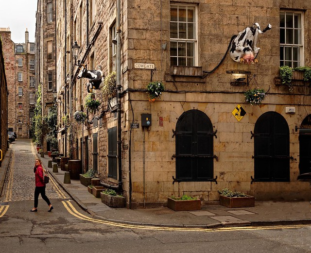 Edinburgh / Old Town /  Cowgate St /  Niddry St S
