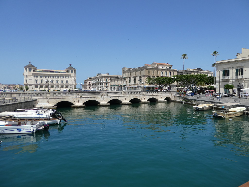 Ponte Umbertino, one of the three bridges linking Syracuse with Ortigia