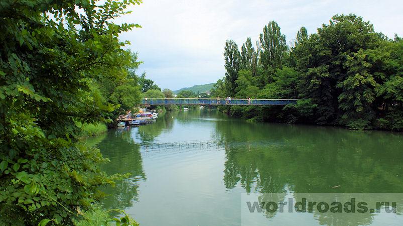 Подвесной мост через реку Вулан