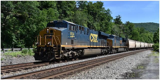 CSX 854 (GE ES44AH) & CSX 3299 (GE ET44AH) passing westbound @ Sandstone, West Virginia