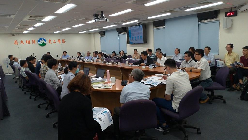 環保署審查台灣中油公司「北部液化天然氣接收站第二期計畫變更案」。孫文臨攝