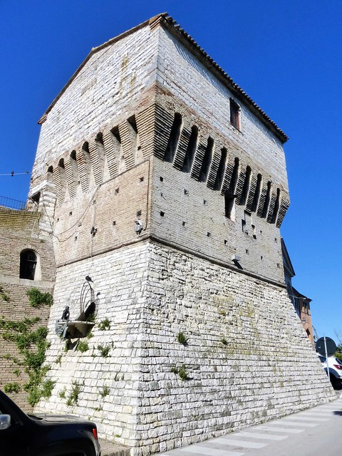 The Sirolo tower built around the year 1000; for a long time, and until about 15 years ago, the local telephone exchange operated inside this building