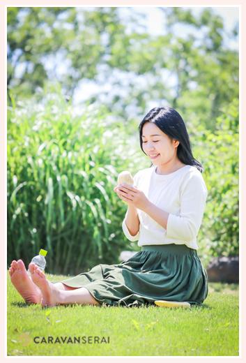過食症専門カウンセリング「ハッピーフローラ(Happy Flora)」鈴木玲奈さま おむすびを食べる