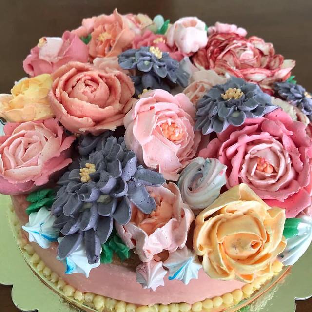Floral Cake by Shino Ikai