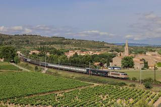 Train EXPO dans la courbe de Nevian !