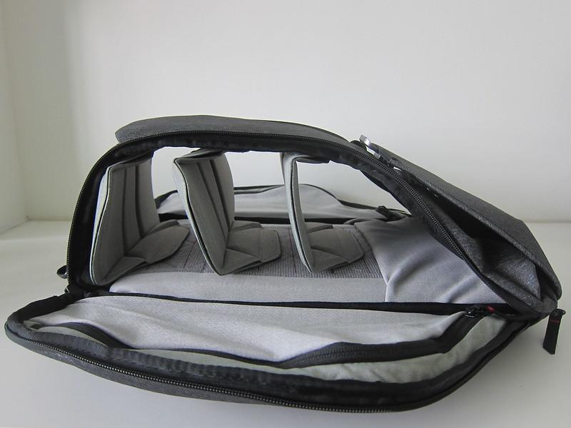 Peak Design Everyday Backpack 20L - Both Sides Open
