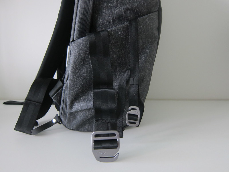 Peak Design Everyday Backpack 20L - Left Straps
