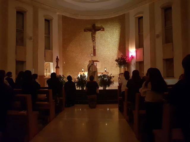 En adoración