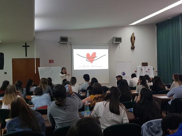 Yoshie Álvarez, ex colaboradora y experta en teología del cuerpo, imparte algunas de las conferencias
