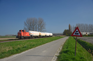 Watch out for trains! Train 62779 @ Zandstraat