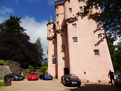 Porsche Cars at Craigievar Castle (12)