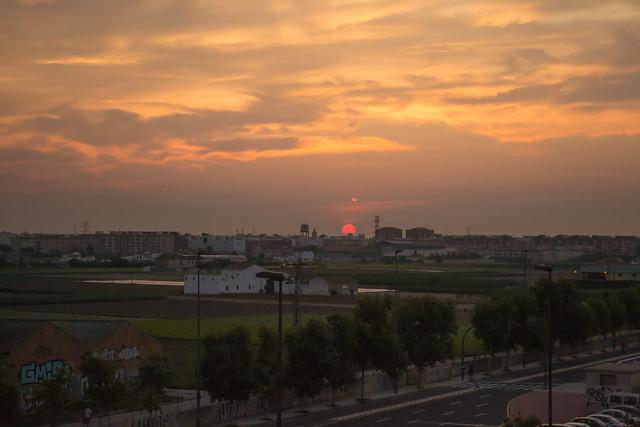 Amanecer en Alboraya visto desde Valencia