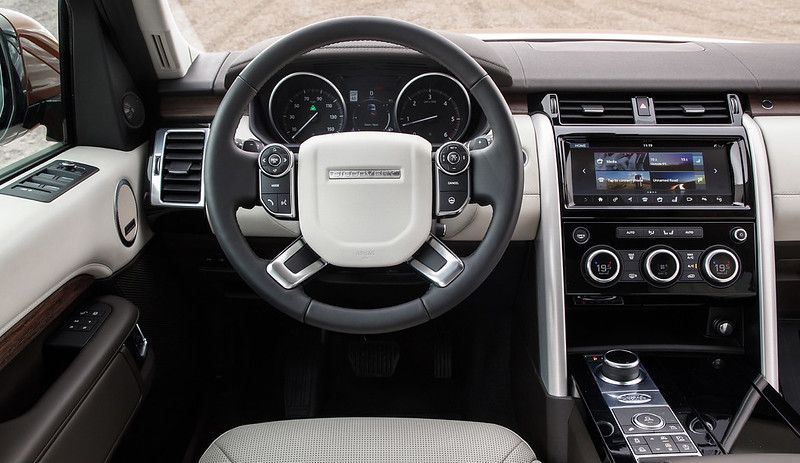 2018_land_rover_discovery_us_279_2560x1440
