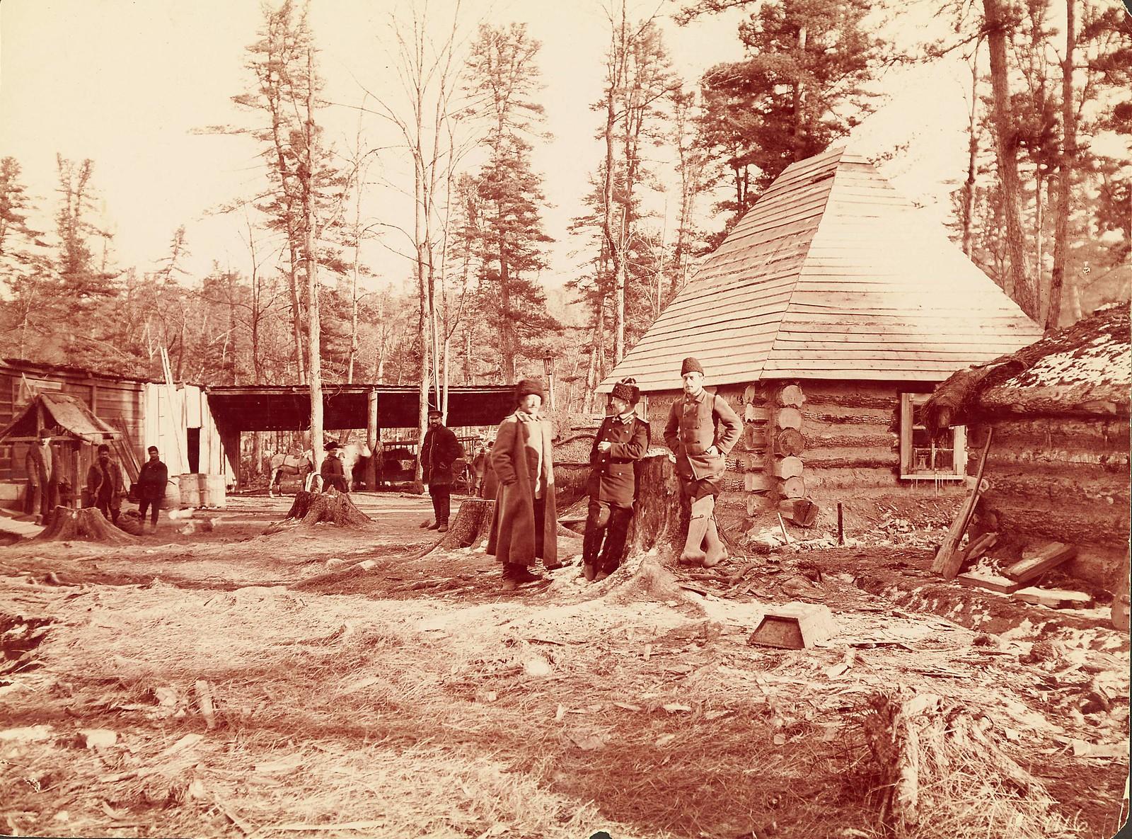 Лагерь строителей дороги