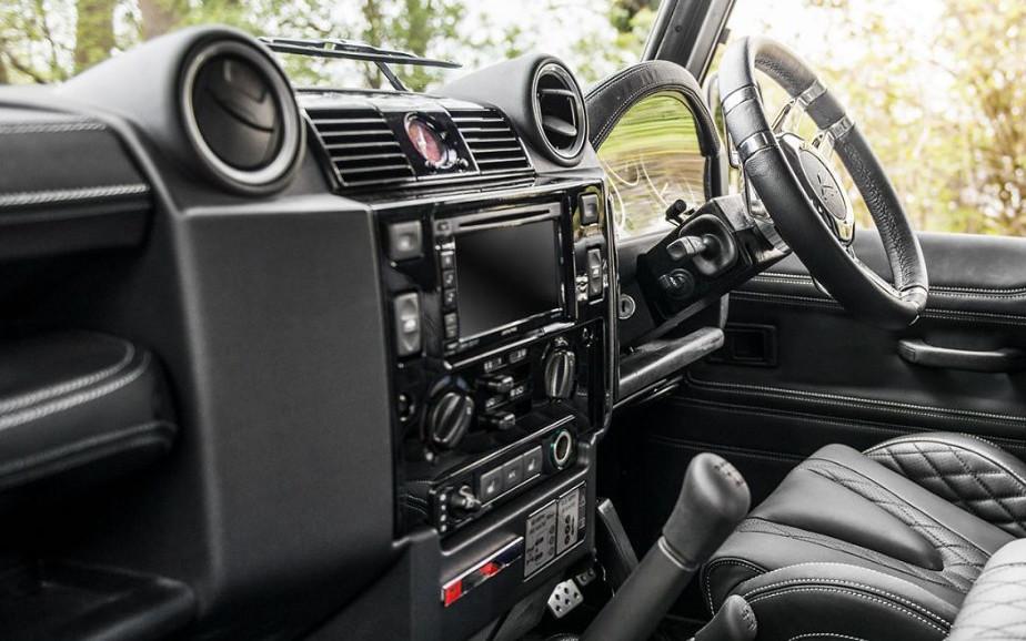 2021-Land-Rover-Defender-Interior