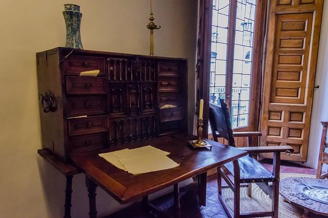 Aquí vivió Cervantes.