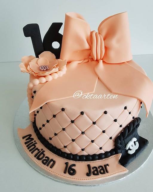 Cake by CK Taarten