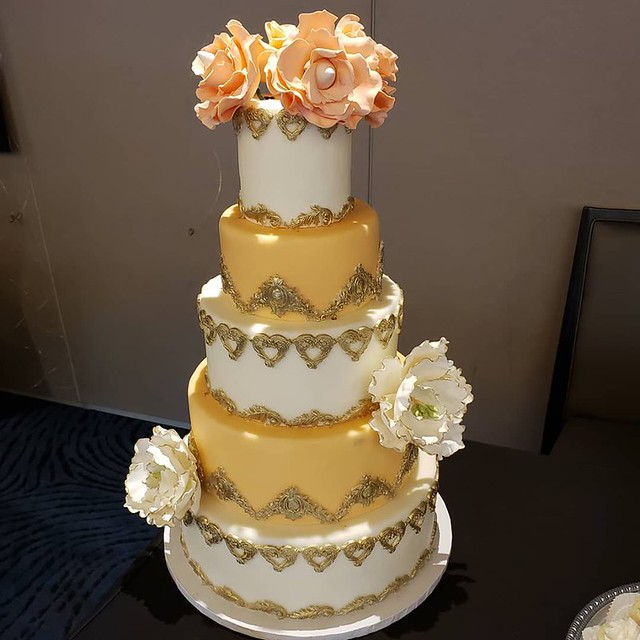 Cake by Betty's Cakes