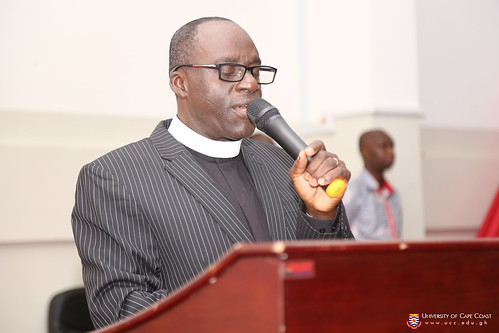Rev. Prof. Seth Asare-Danso (HEAD, CHAPLAINCY SECTION) opening the programme with an opening prayer