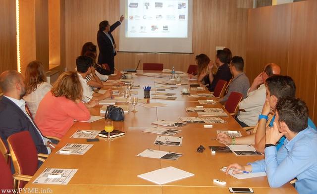 El Director Territorial del ICE en Salamanca, Jose Francisco Diego Calvo, explica la financiación disponible de este organismo de la Junta de Castilla y León para las empresas de Salamanca.