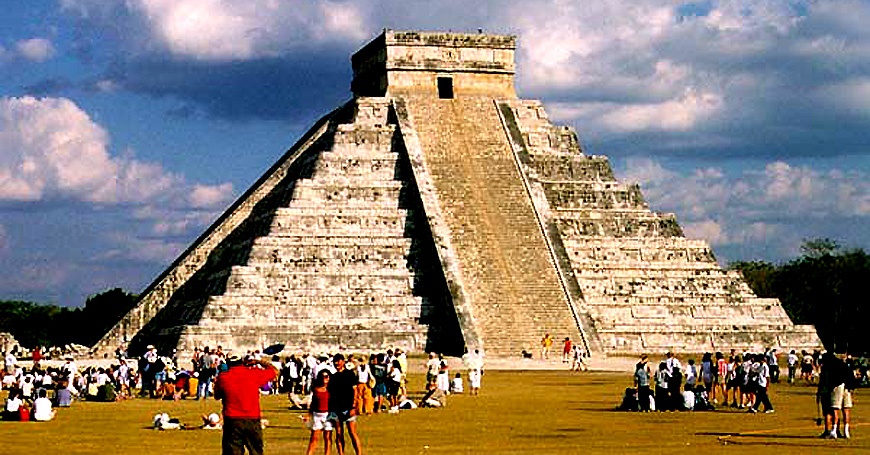 Pirámide cultual azteca