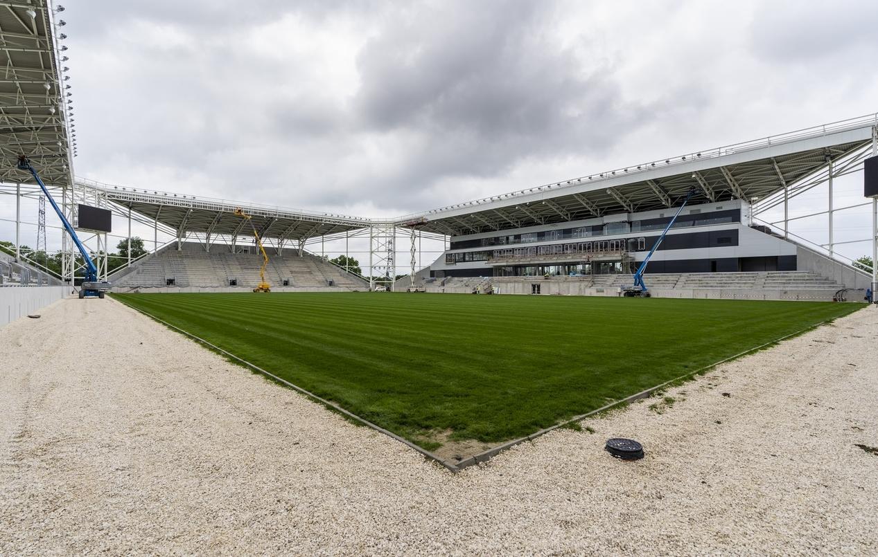 Már majdnem kész van Szeged első stadionja