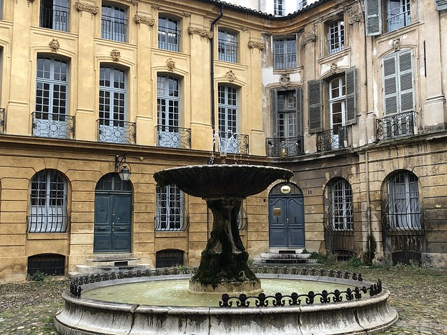 Fuente en Place Albertas (Aix-en-Provence)