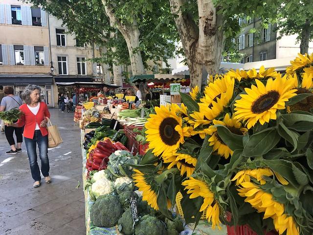 Mercado callejero de Place Richelme (Aix-en-Provence)