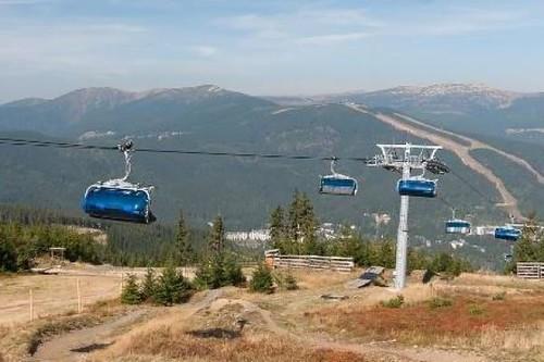 Krásné výhledy při cestě lanovkou na Horní Planinu nebo na Medvědín ve ŠPINDLEROVĚ MLÝNĚ - pouze s kartou GOPASS