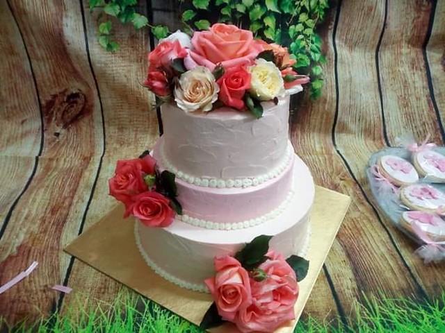 Cake by Tarannum Zabeen of Zabeen's Bake n Cake