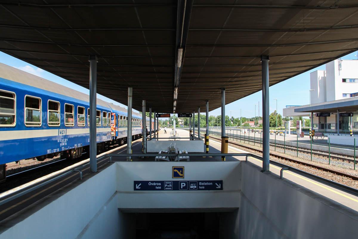 Tavaly nyárhoz képest 100 ezerrel többen utaztak a Balatonra vonattal