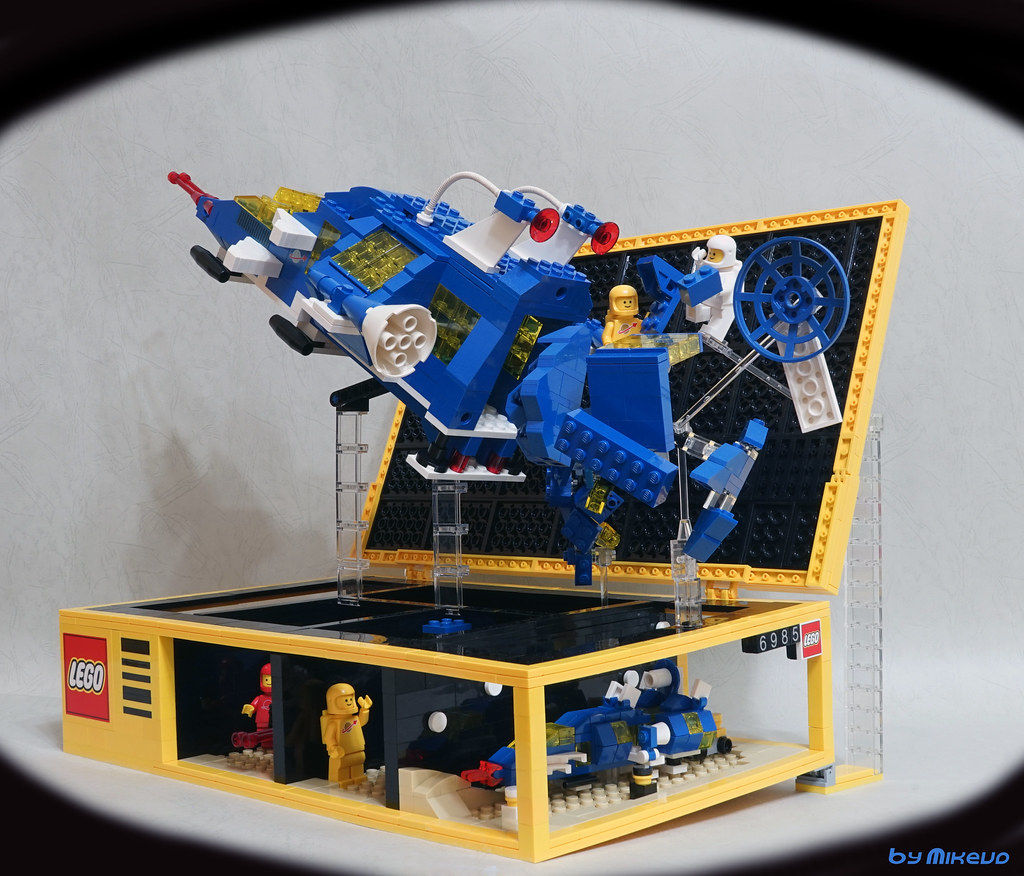 LEGO box 6985 (custom built Lego model)