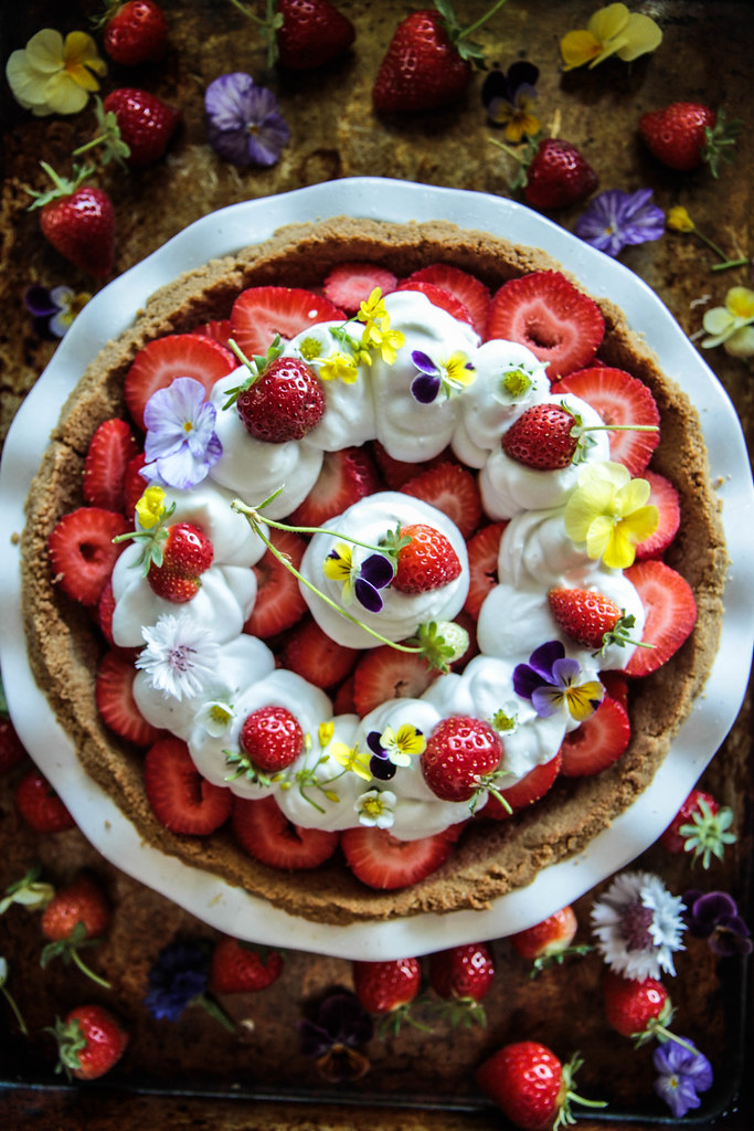 Strawberry Jello Pie (gluten and dairy free) from Heatherchristo.com