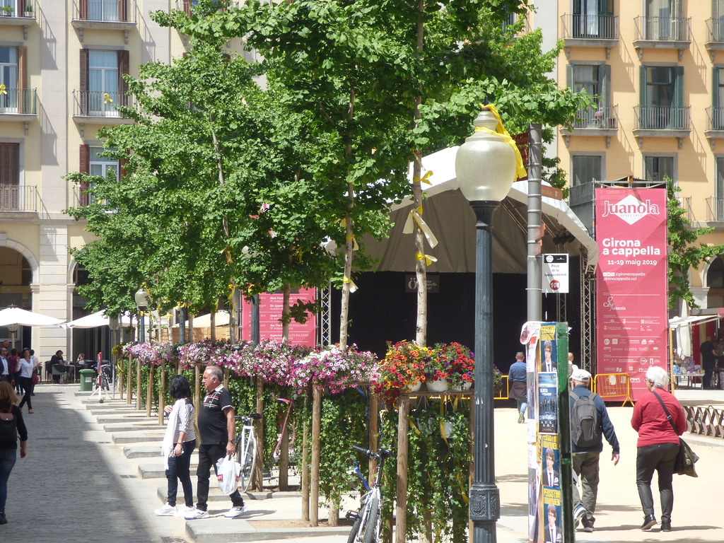 Plaça de la Independència, Girona - Temps de Flors 2019: Les flors vessen