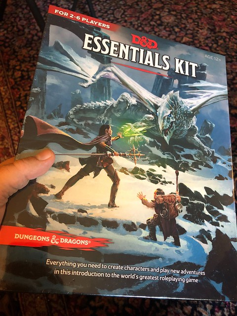 D&D Essentials Kit 01 - Box