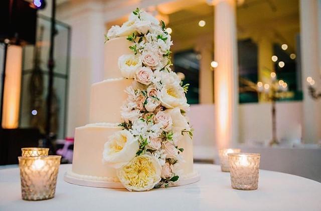 Cake by Sweet Mandy B's