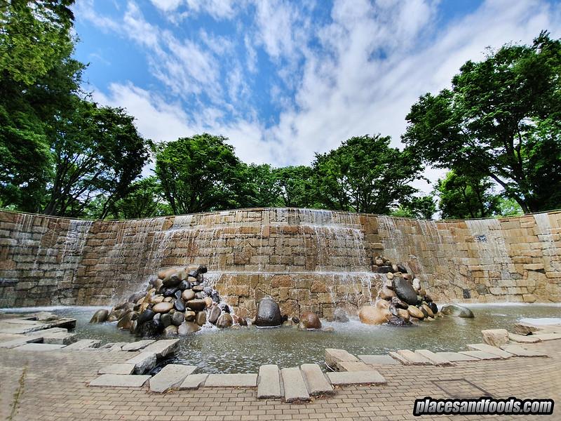 shinjuku niagara falls